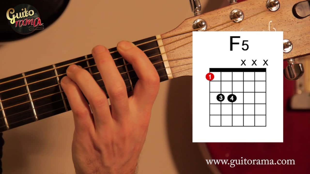 Apprendre à jouer Fa en barré ou simplifié