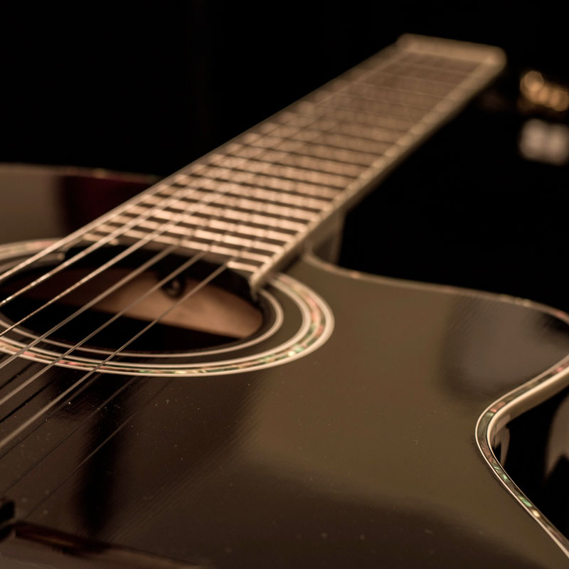 Guitare folk noire